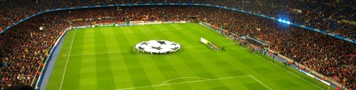 Widok z trybuny Gol Nord na Camp Nou podczas meczu FC Barcelona - Bayer Leverkusen